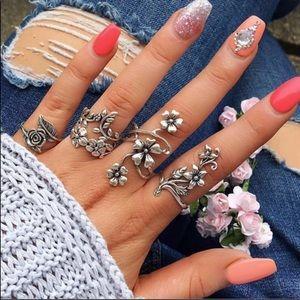 Bohemian floral ring set